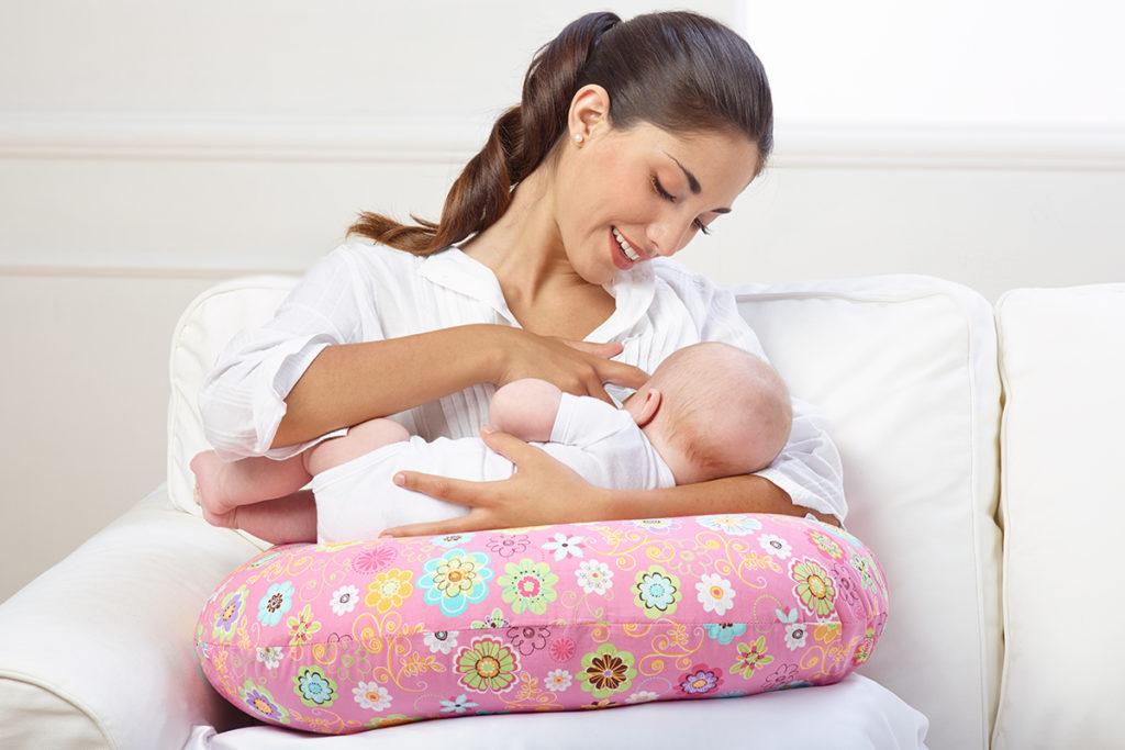 Кормление грудного ребенка детскими смесями