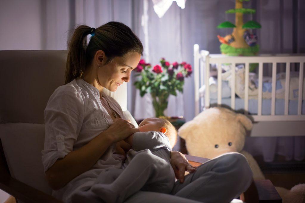 Причины кормления ребенка ночью